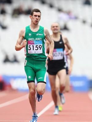 irlandês Michael McKillop bate recorde mundial do Estádio Olímpico de Londres (Foto: Agência Getty Images)