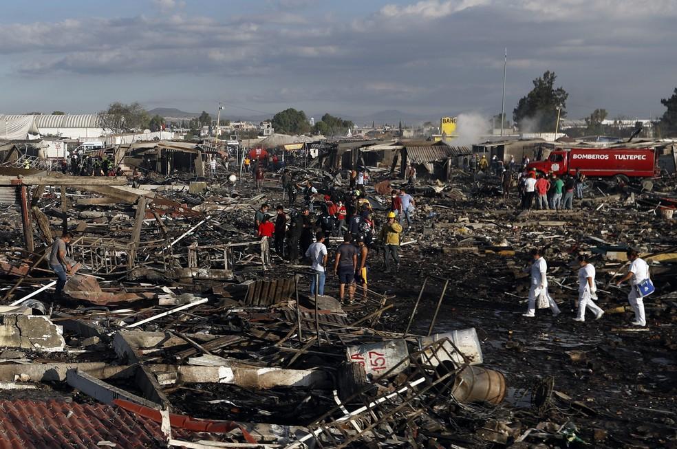 Explosões em feira de pirotecnia fazem 36 mortos no México