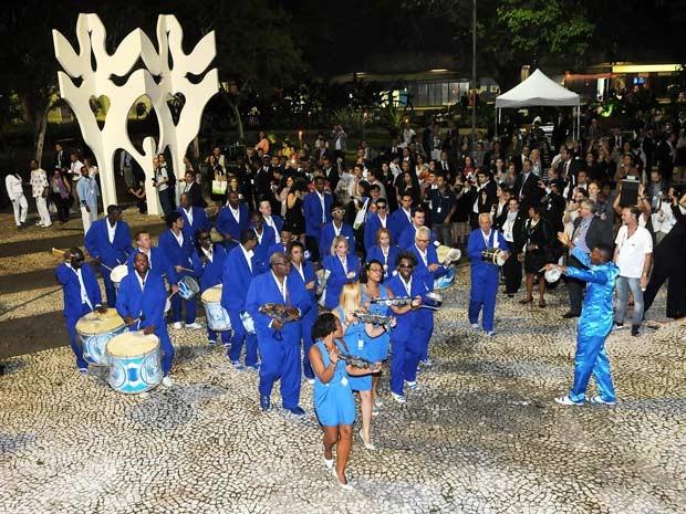 Bateria da Portela desfila em coquetel de abertura da Rio+20 (Foto: Alexandre Durão/G1)