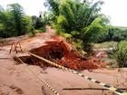 Cratera coloca em risco estrada rural entre Martinópolis e Pracinha