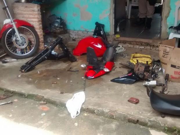 Desmanche foi encontrado em casa de jovem em Araguaína (Foto: Divulgação/Polícia Militar)
