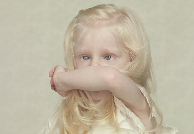 Isabel, fotografia está no livro Albinos (Foto: Gustavo Lacerda/Divulgação)
