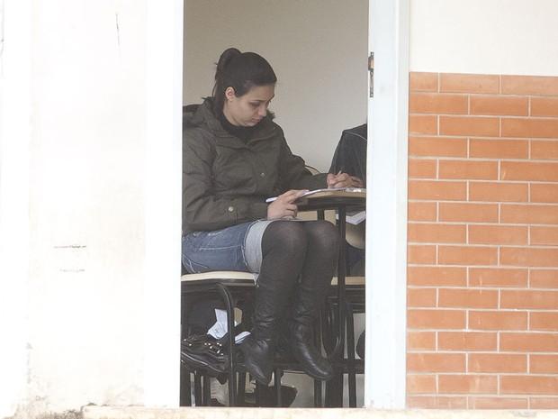 estudante faz prova do Enem em São Paulo (Foto: Mister Shadow/AE)