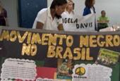 Como as escolas abordam a temática afro-brasileira?                      (None)