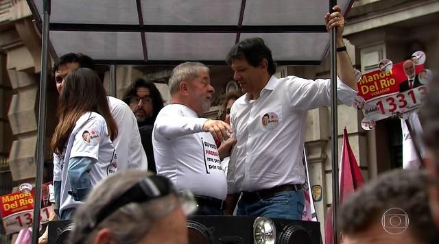 Fernando Haddad faz carreata ao lado de Lula
