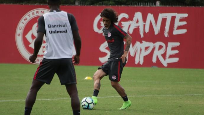 Internacional Inter treino Valdívia Inter (Foto: Eduardo Deconto/GloboEsporte.com)