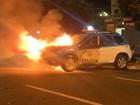 Viatura da PM pega fogo no Centro de Itaperuna, no RJ