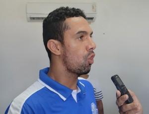 Douglas Marques, zagueiro do CSA (Foto: Augusto Oliveira/GloboEsporte.com)