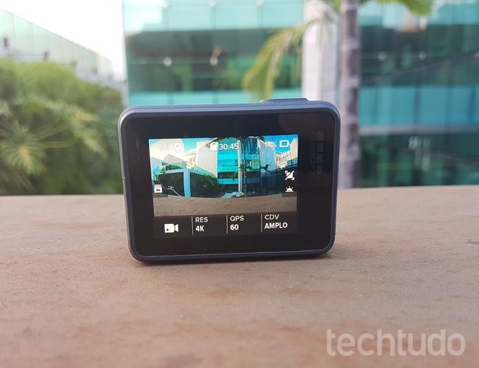 LCD de 2 polegadas teve melhorias na resolução e na sensibilidade touch (Foto: João Gabriel Balbi/TechTudo)
