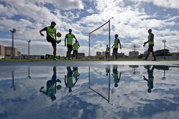 Treino Botafogo Nilton Santos (Foto: Vitor Silva / SSpress / Botafogo)