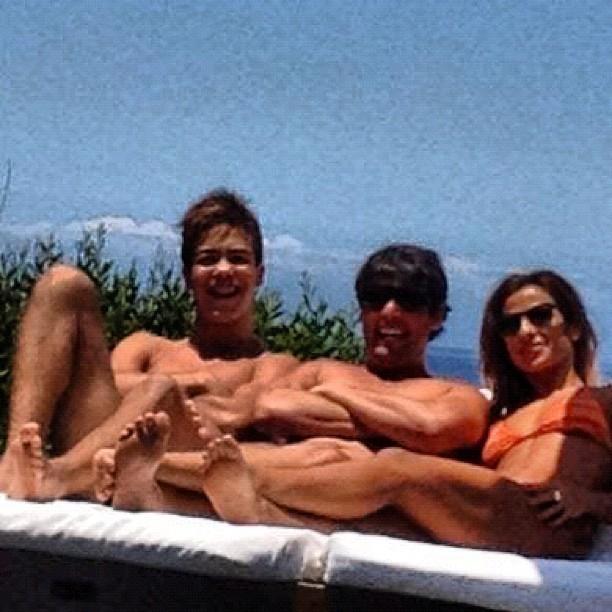 Paula Morais com Ronald e Bruno De Luca (Foto: Reprodução/ Instagram)