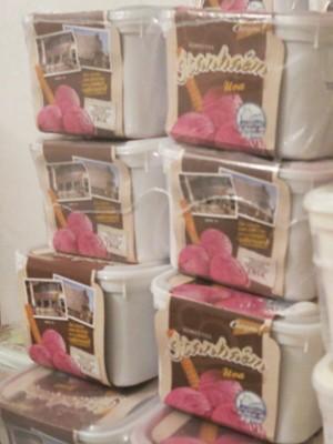 Produção de sorvetes aumenta no verão (Foto: Mariane Rossi/G1)