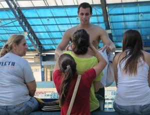 Família e amigos apoiam o atleta na competição (Foto: Juliana Vieira / GloboEsporte.com)