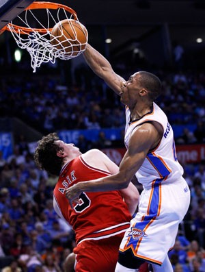 Russell Westbrook basquete nba Oklahoma City Thunder (Foto: AP)