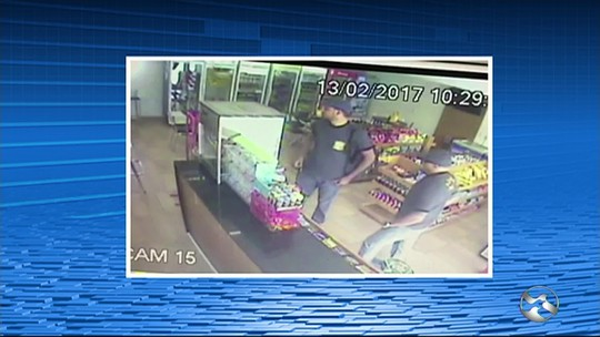Dupla finge ser da Polícia Civil e rouba posto de combustíveis em PE; vídeo