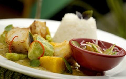 Pescadinha ao curry verde