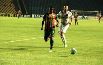 Elias quer sequência de gols no Sampaio e destaca melhora do time