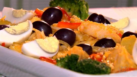 Português ensina a fazer o prato 'Bacalhau a Sabores de Lisboa'