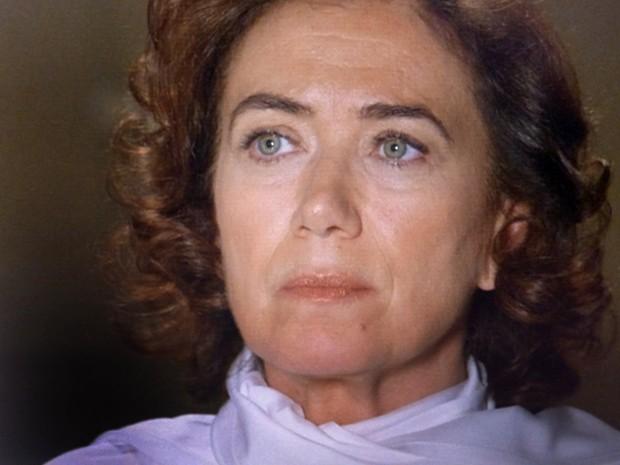 Marta não consegue acreditar nas palavras da ruiva (Foto: TV Globo)
