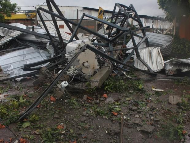 Tornado deixou estruturas retorcidas em Marechal Cândido Rondon (Foto: Divulgação/Prefeitura de Marechal Cândido Rondon)