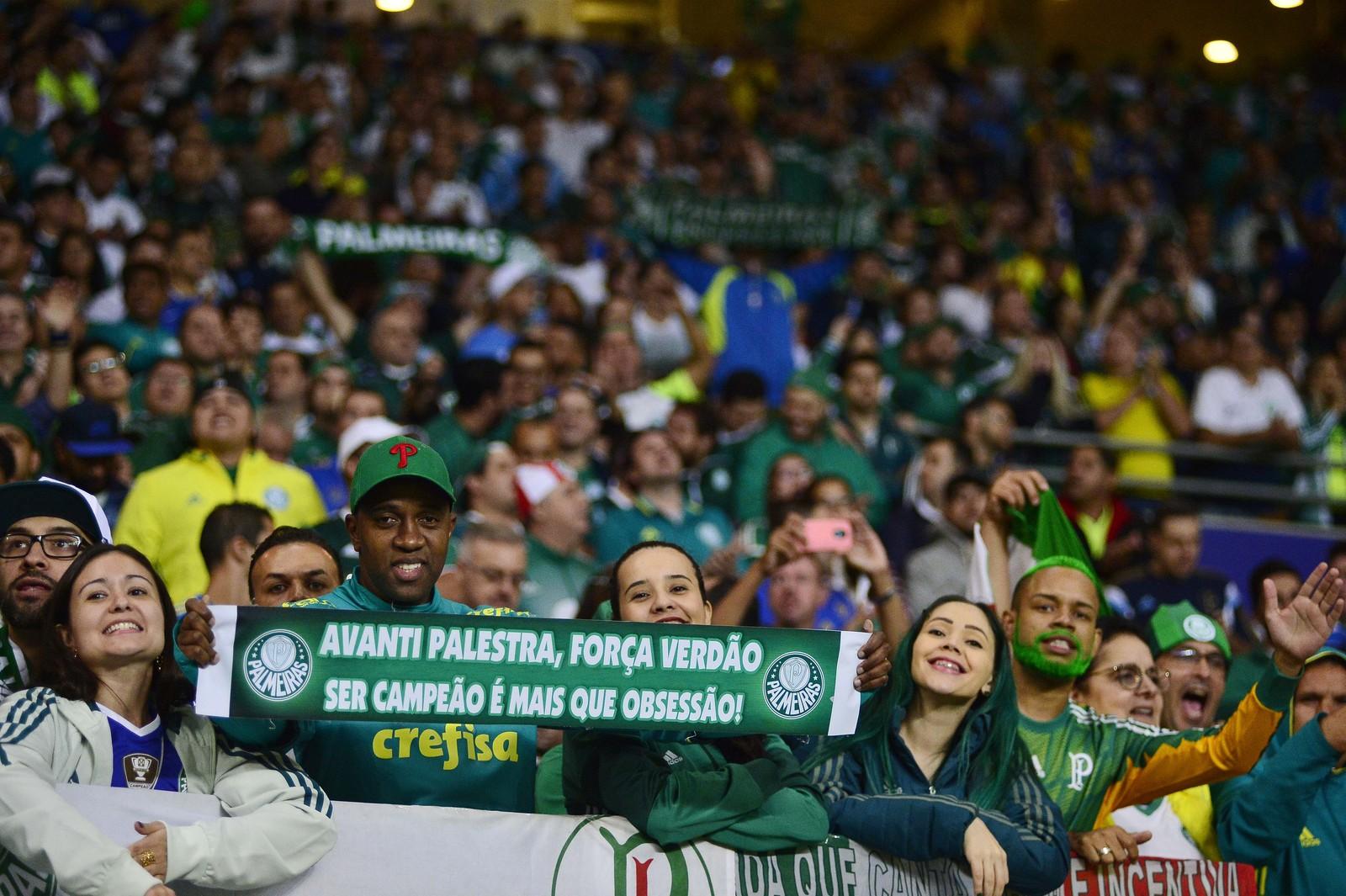 Palmeiras passa o São Paulo e reassume liderança na média de público pagante