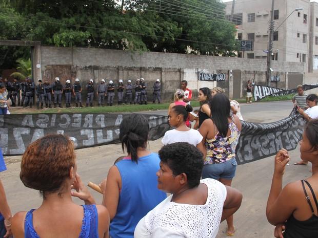 Moradores do bairro aurora protestam contra a implantação da Funac em São Luís (MA) (Foto: De Jesus/O Estado)