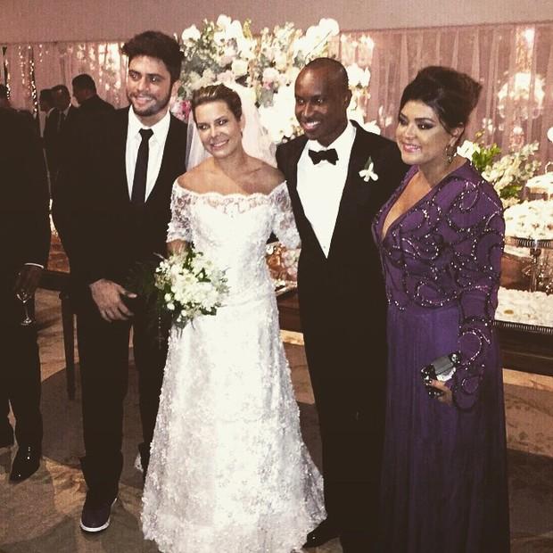 Preta Gil com o namorado e os noivos, Thiaguinho e Fernanda Souza (Foto: Reprodução/ Instagram)