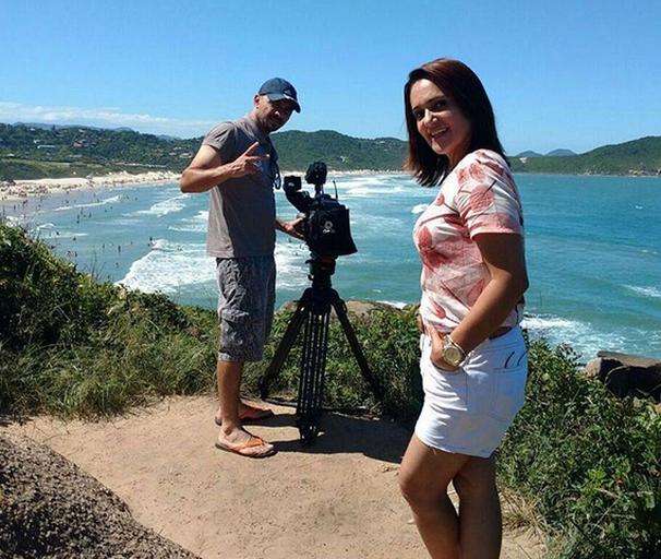 Carla Suzanne viajou até Santa Catarina para gravar o 'Tô de Folga' (Foto: Divulgação / TV Sergipe)