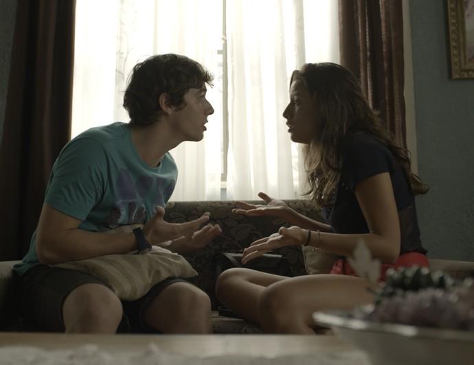 Luan vai tirar satisfação com a namorada (Foto: TV Globo)
