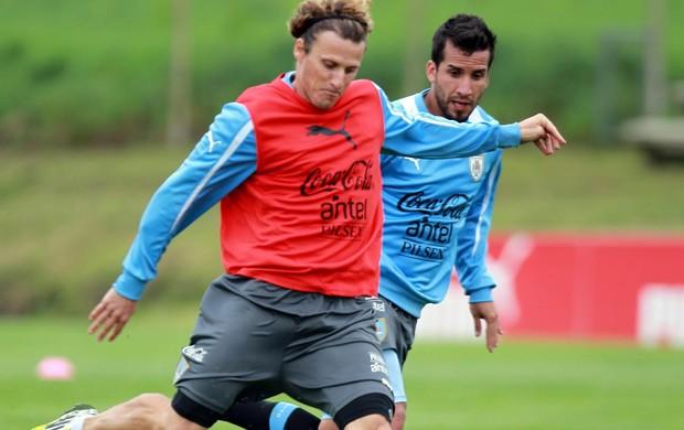 Forlan Uruguai treino (Foto: Agência EFE)