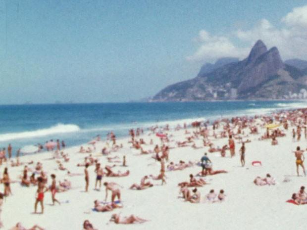 Praia da zona sul era point das cocotas e dos surfistas! (Foto: TV Globo)