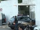 Após manterem servidores reféns, 27 presos fogem de cadeia em Goiás