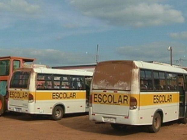 Prefeitura afirma também que os ônibus deveriam ser reformados (Foto: reprodução/TV Tem)