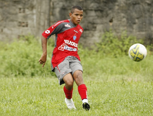 Bryan - lateral-esquerdo dispensado pelo Paysandu (Foto: Marcelo Seabra/O Liberal)