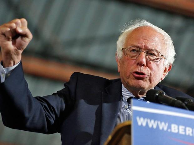 Bernie Sanders não jogou a toalha e segue com campanha nos EUA (Foto: Jonathan Alcorn / AFP Photo)