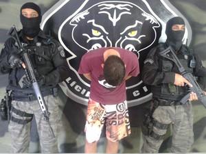 Suspeito de homicídio e tráfico de drogas é preso em Vila Velha, ES (Foto: Divulgação/PC)
