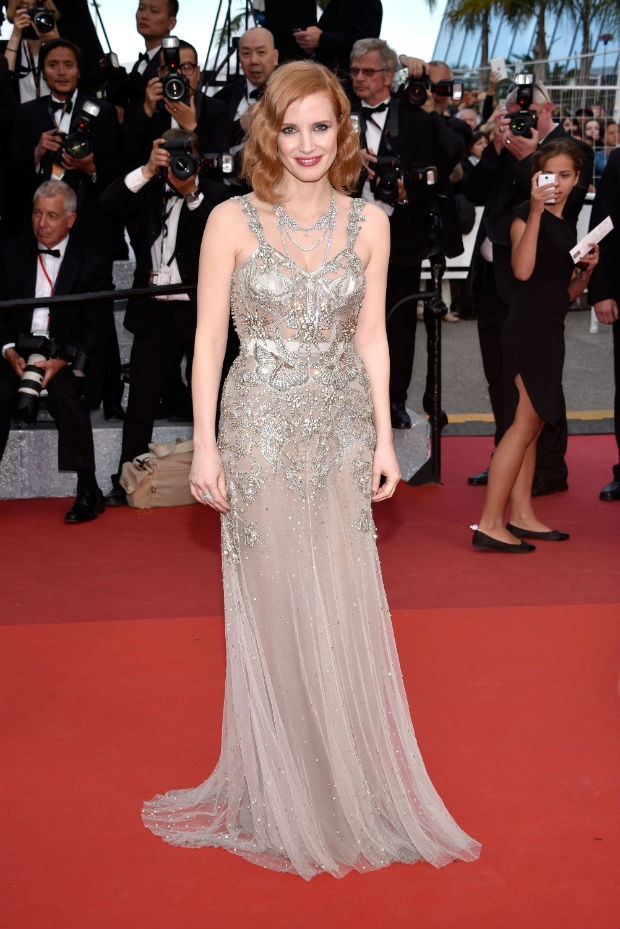 Tons de nude so tendncia para vestidos de gala desfilados em Cannes (Foto: Getty Images)