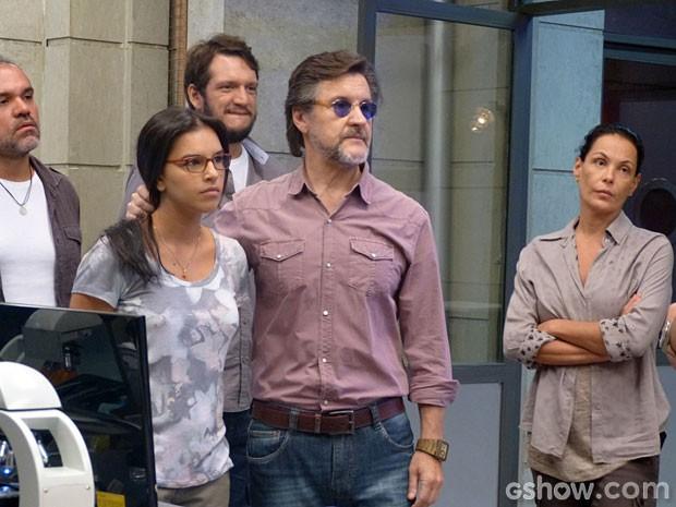LC ameaça colocar Celina na máquina (Foto: Além do Horizonte / TV Globo)