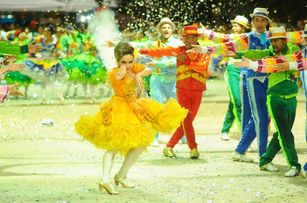 Quadrilhas encantaram a plateia e jurados com espetáculo de dança, cores e brilhos  (Foto: TV Clube)