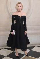 Famosas arrasam nos looks para assistir a desfile de alta-costura da Dior