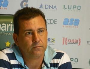 Zé Teodoro pede demissão do Guarani (Foto: Guto Marchiori / Globoesporte.com)