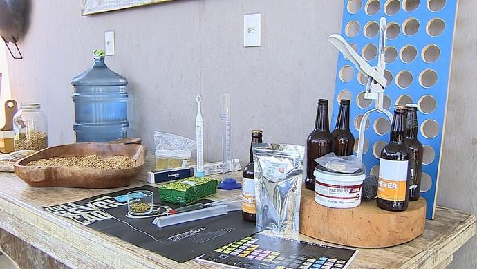 O 'Combinado' mostra como é feita a cerveja artesanal (Foto: TV Sergipe)