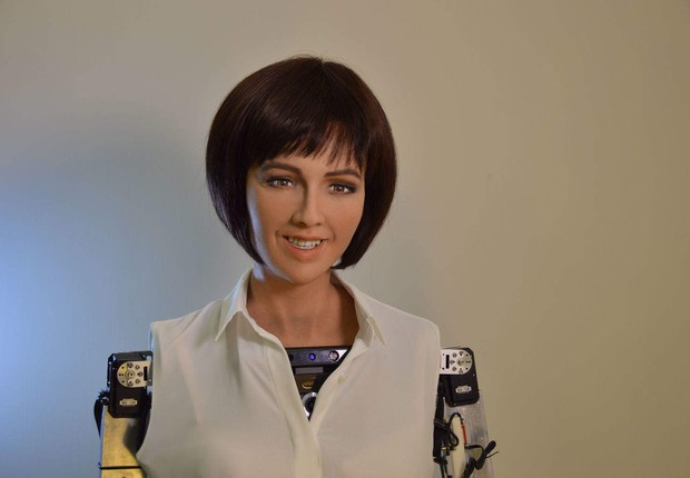 Robô que já afirmou que queria destruir os humanos recebe cidadania