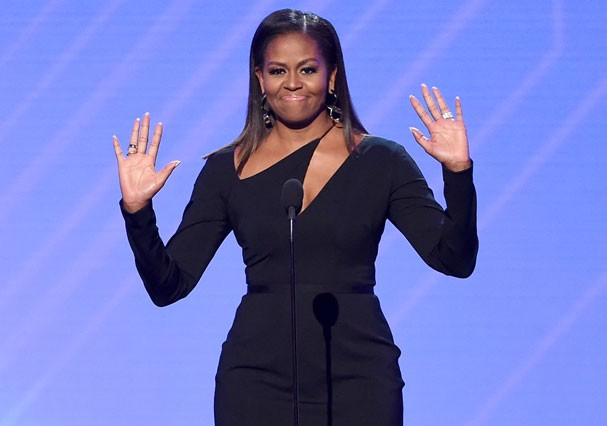 Michelle Obama discursa em evento (Foto: Kevin Winter/Getty Images)