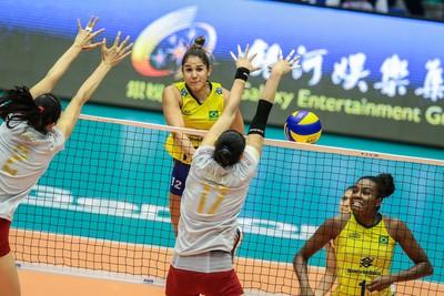 Natalia China x Brasil Grand Prix vôlei (Foto: Divulgação/FIVB)