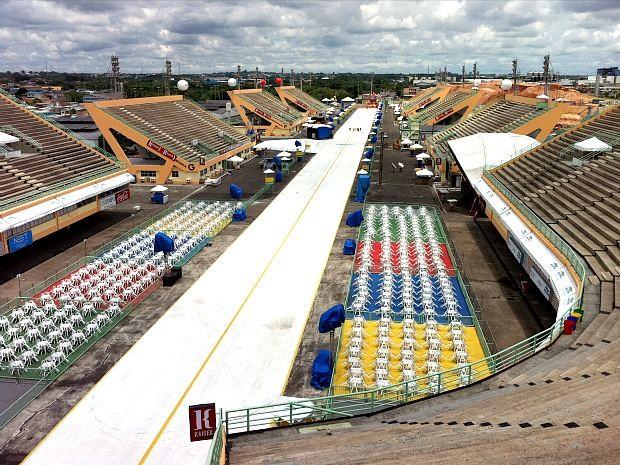 Sambódromo, tarde de sábado (18), fevereiro de 2012 (Foto: Onofre Martins/G1AM)