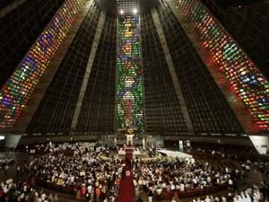 Catedral fica cheia para missa em homenagem a dom Eugenio (Foto: Alexandre Durão / G1)
