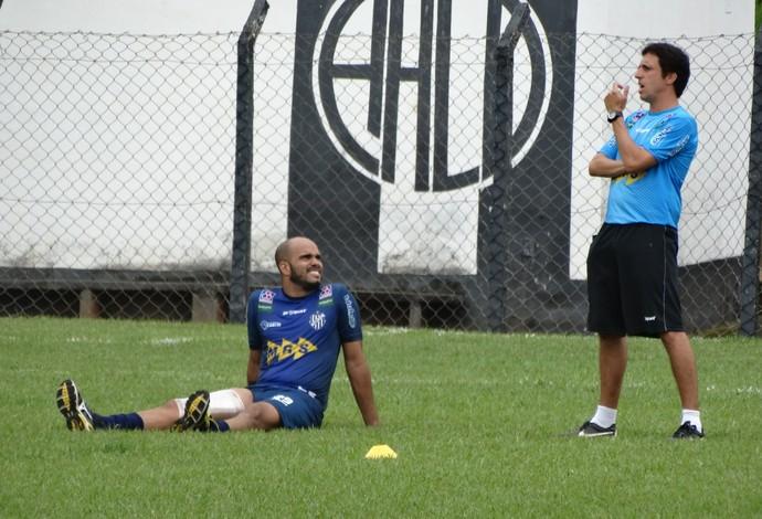Zagueiro Ênio Tupi-MG (Foto: Rafaela Borges)