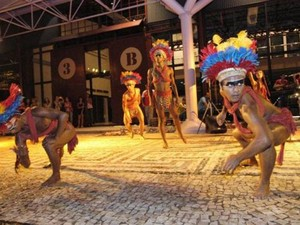 Integrantes do Balé Folclórico da Amazônia fazem performance com ritmos da região. (Foto: Divulgação)