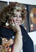 Alcione fala de vaidade aos 68 anos: 'Quero ser uma velhinha ajeitadinha'